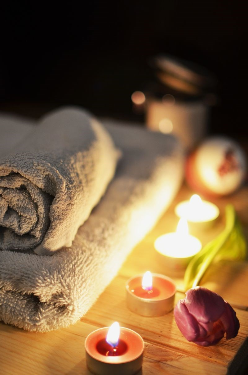 Treat-Weekend Spa and Massage